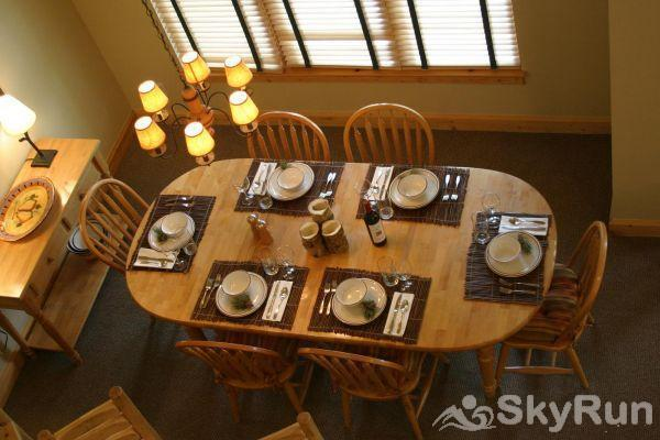1986 Starfire Townhomes Dining Room