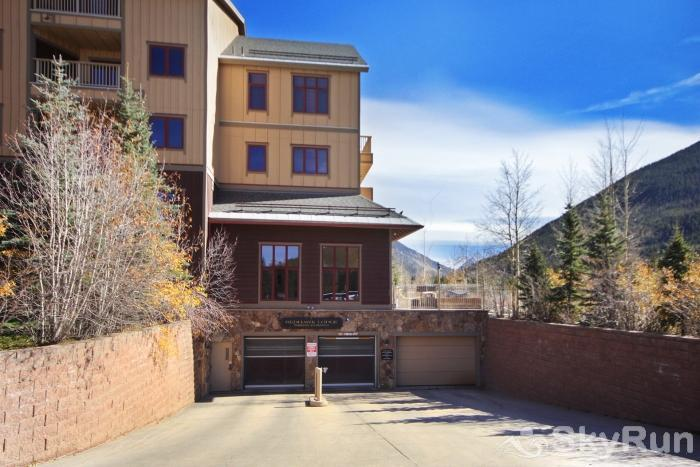 2317 Red Hawk Lodge Red Hawk Commons
