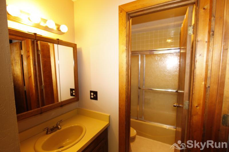 113B WPTC - Cranmer Rd Split bathroom