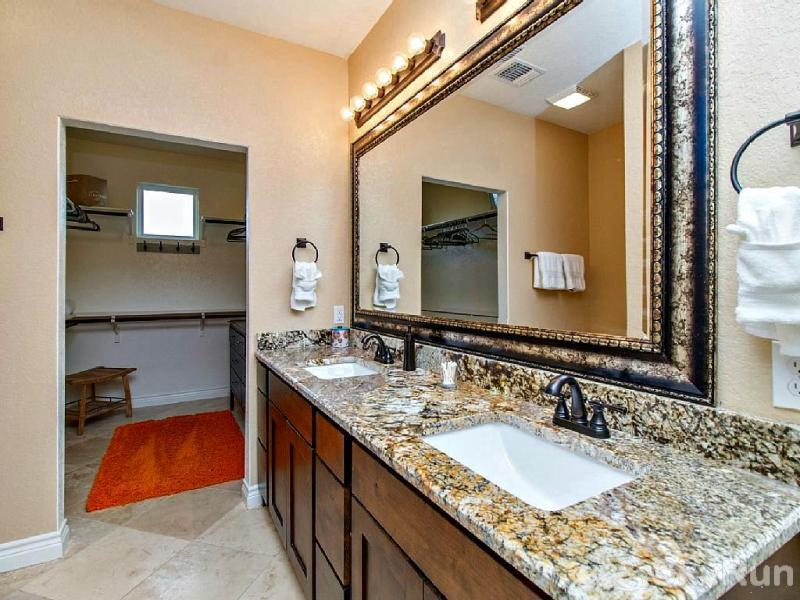 WINE DOWN LAKE ESCAPE Master Bath, cont.