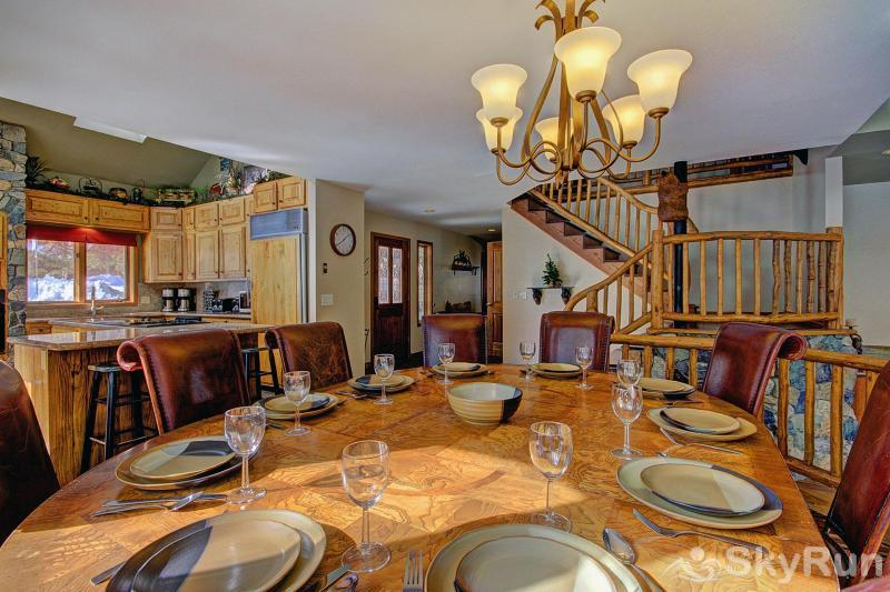 Gold King Lodge Dining Room Table Set