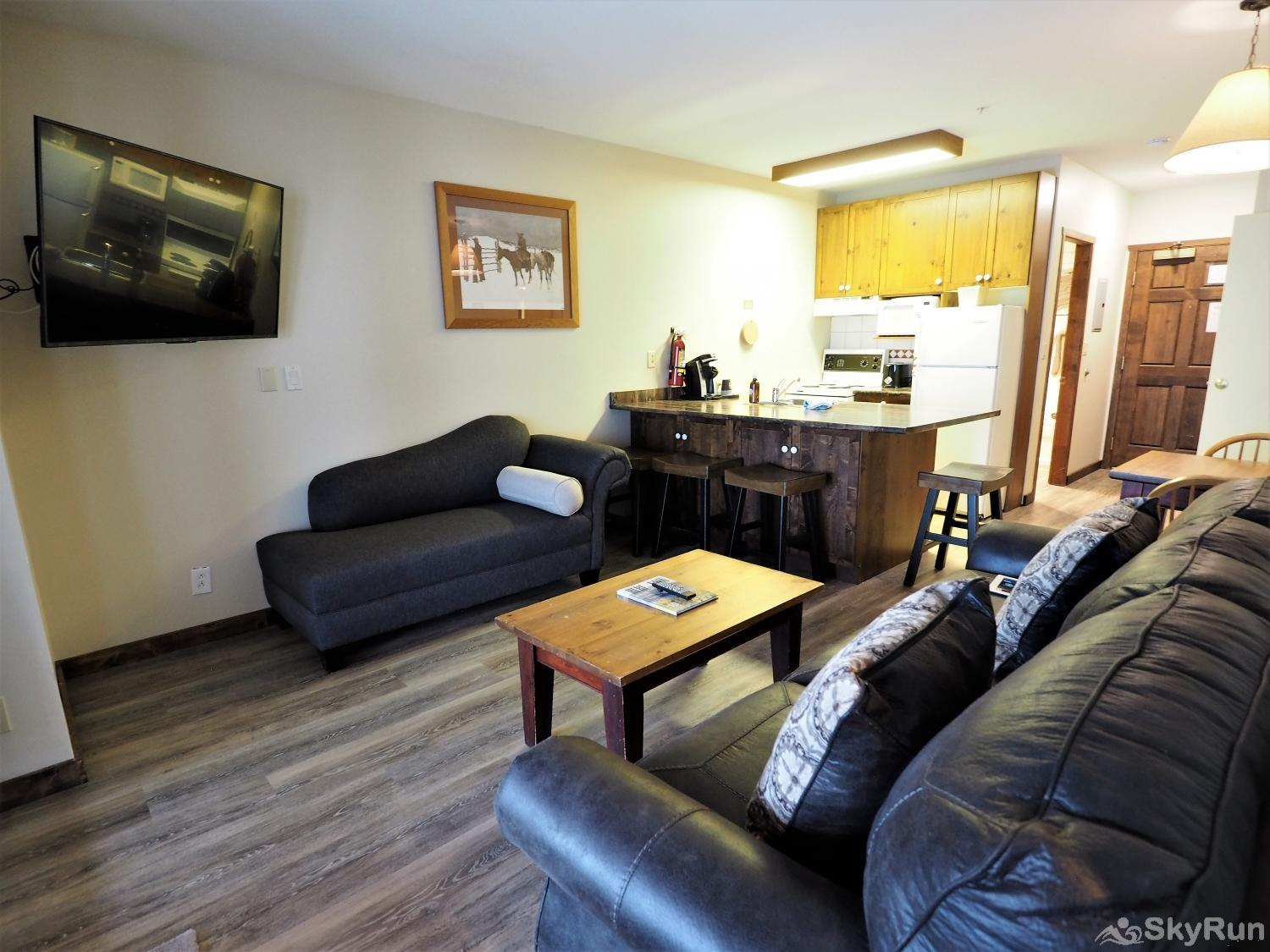 Apex Mountain Inn 2 BDRM Suite 101-102 This beautiful renovation creates an open kitchen/dining area to relax after a day on the mountain
