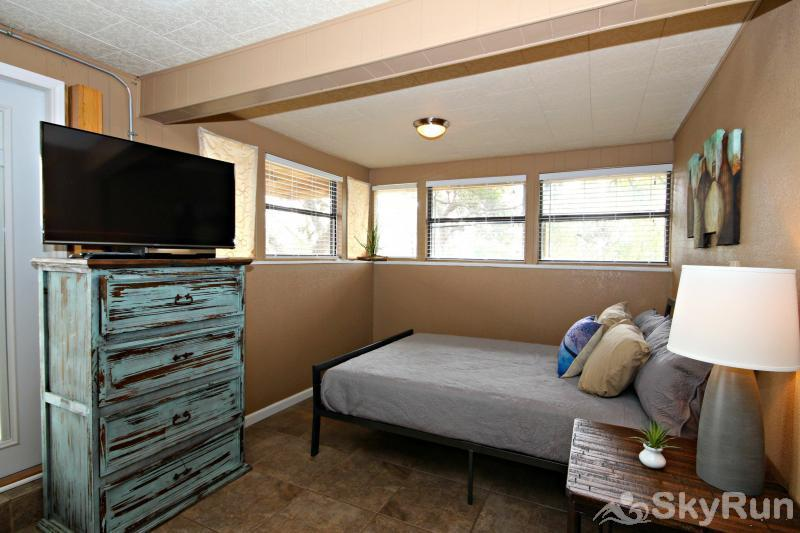 RICKS RIVER HAUS Third Queen Bed Area, cont.