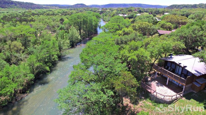 RICKS RIVER HAUS Rick's River Haus, Perched Above the Guadalupe River