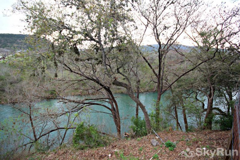RICKS RIVER HAUS Enjoy the Sights and Sounds of the Guadalupe River