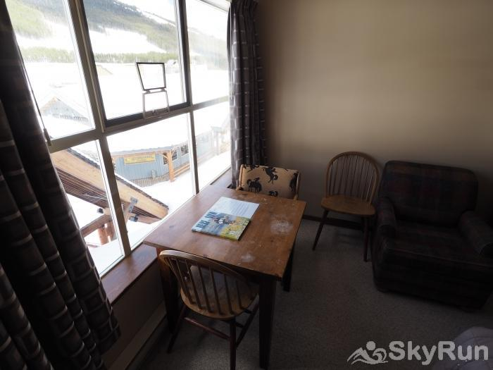 Apex Mountain Inn 1 BDRM Suite 311-312