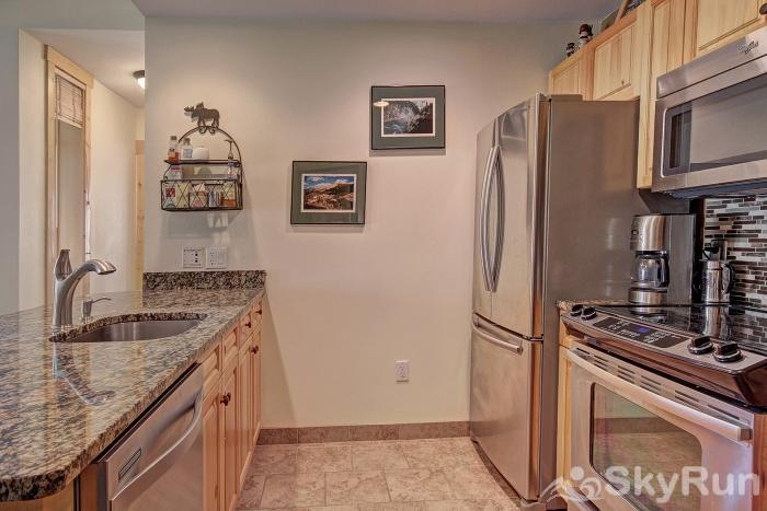 TM414 Tucker Mountain Beautiful Fully Equipped Kitchen