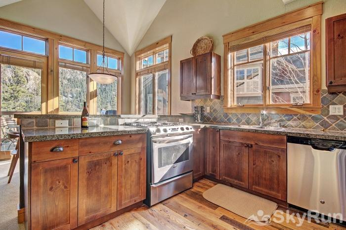 6552 Settlers Creek Townhomes Kitchen