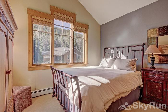 6552 Settlers Creek Townhomes Guest Bedroom