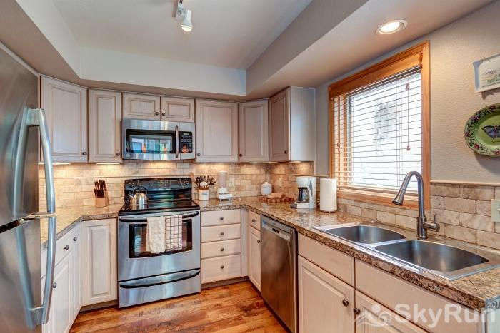 Pine Creek Lodge Kitchen with stainless appliances