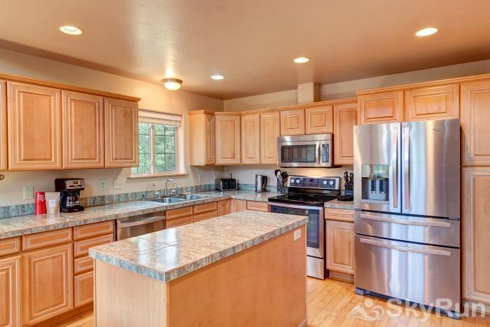 The Commons Stainless appliances in kitchen
