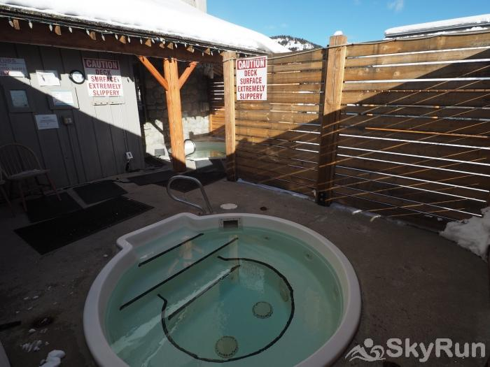 Apex Mountain Inn Standard Loft Suite 409 Apex Mountain Inn Shared Hot Tubs