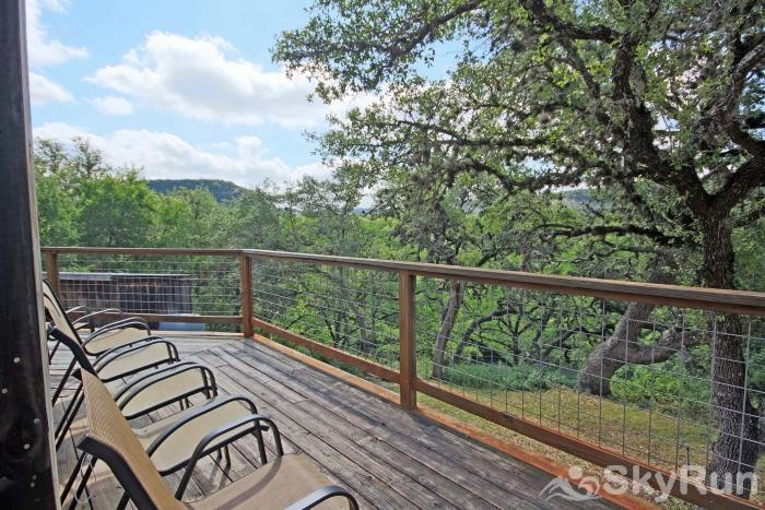 LUCKY GOAT HOUSE Relaxing Back Porch Overlooking the Guadalupe River