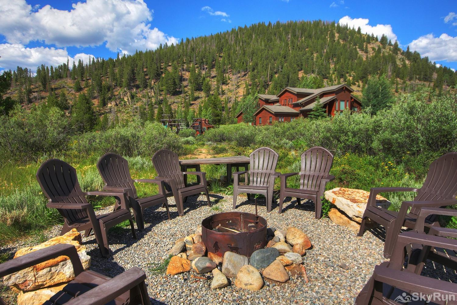 Swan River Retreat Private fire pit with plenty of seating for friends and family