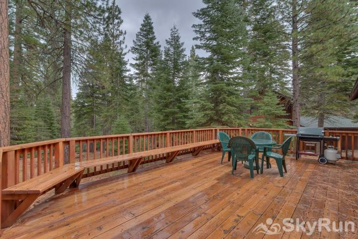 Indian Hills Grizzly Bear Cabin at Northstar Spacious Deck