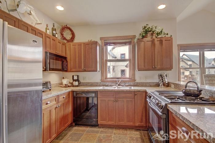 2326 Red Hawk Townhomes Kitchen
