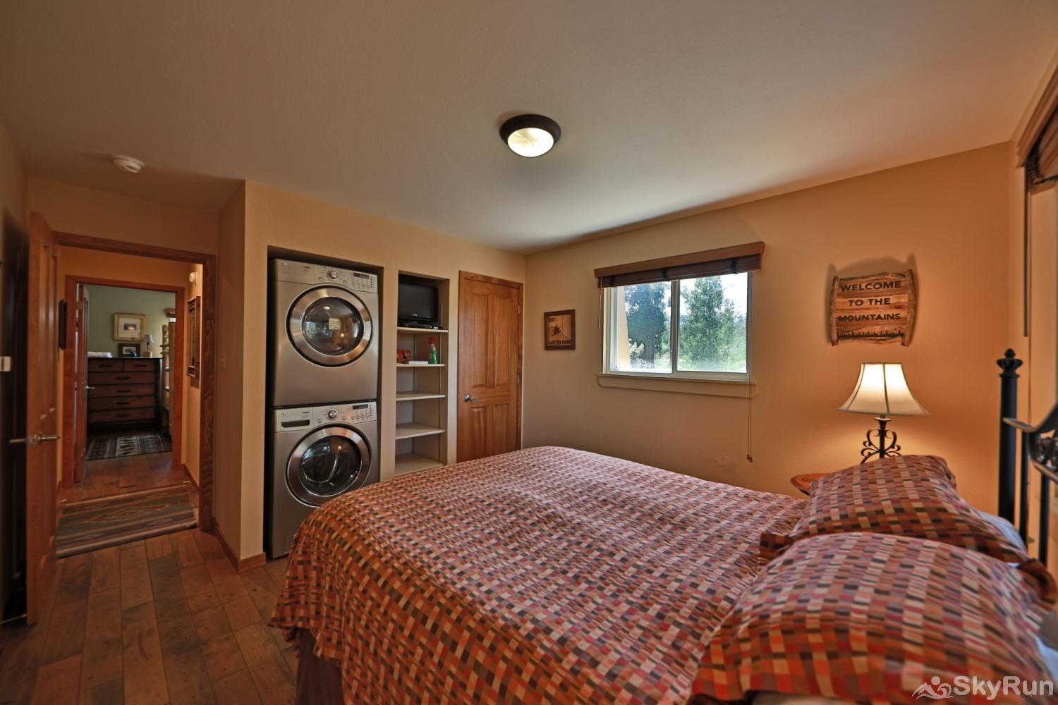 Hi Country Haus - 10-18 Bedroom #1 with Queen and private Washer and Dryer