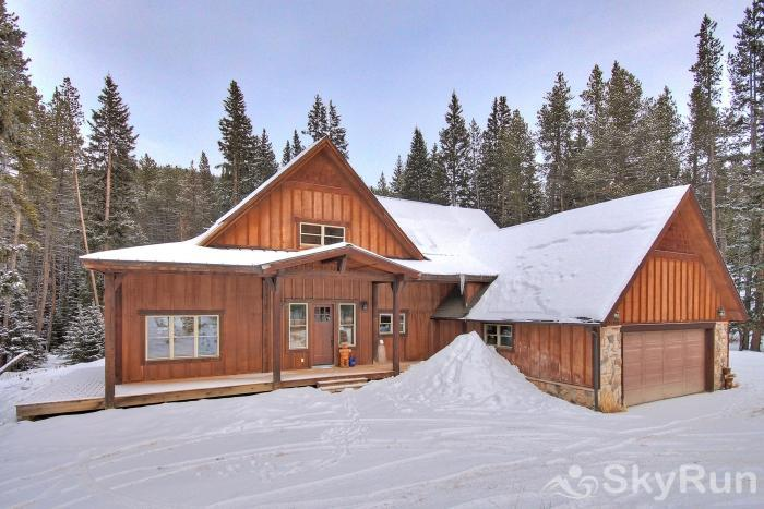 Red Mountain Lodge Beautiful private home just 10 minutes from Main Street, Breckenridge