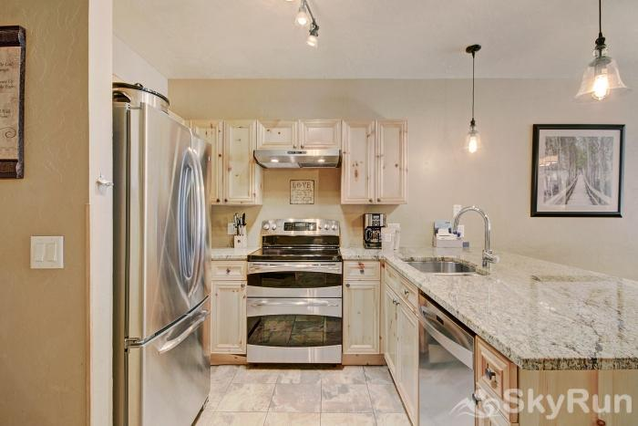2609 Tenderfoot Lodge Kitchen