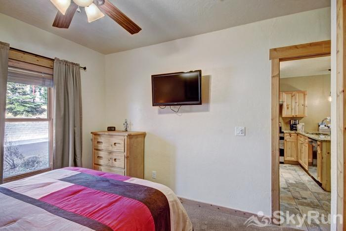 2609 Tenderfoot Lodge Guest Bedroom