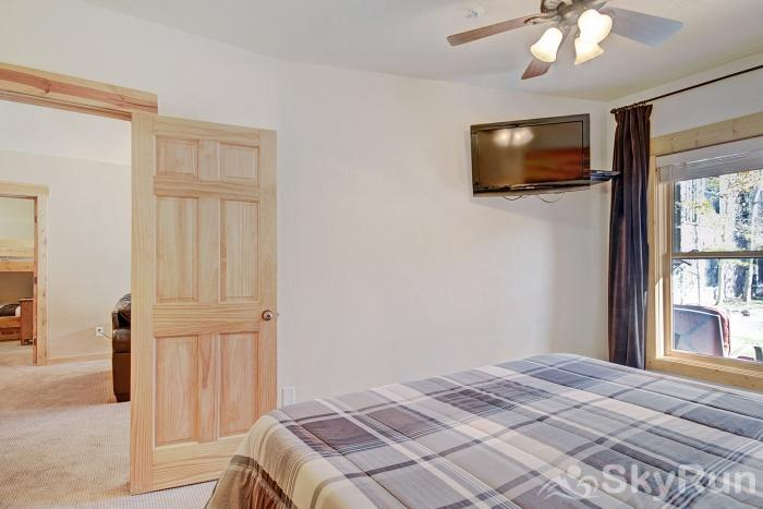 2609 Tenderfoot Lodge Master Bedroom