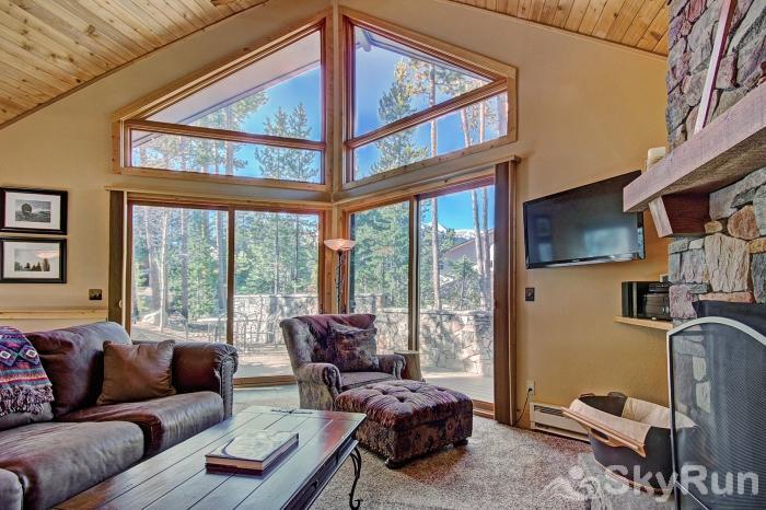 Wildernest Point Huge windows let in light and views!
