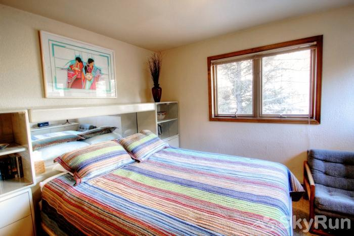K1 Gore Creek Meadows Secondary Guest Bedroom