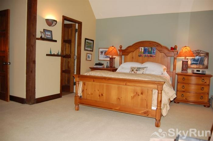 Clairiere Condo Lovely Master Bedroom with Queen