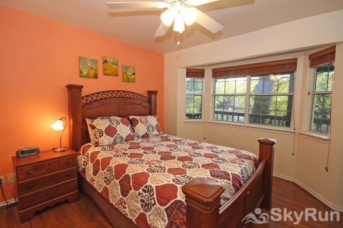 RIVERSIDE ROOST Master Bedroom with Queen and River View