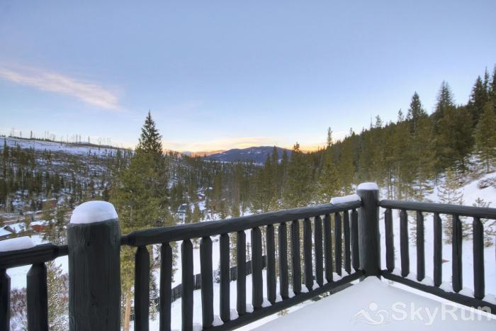 The Moose Chalet Relax by taking in the tranquil mountain scenery from your private deck