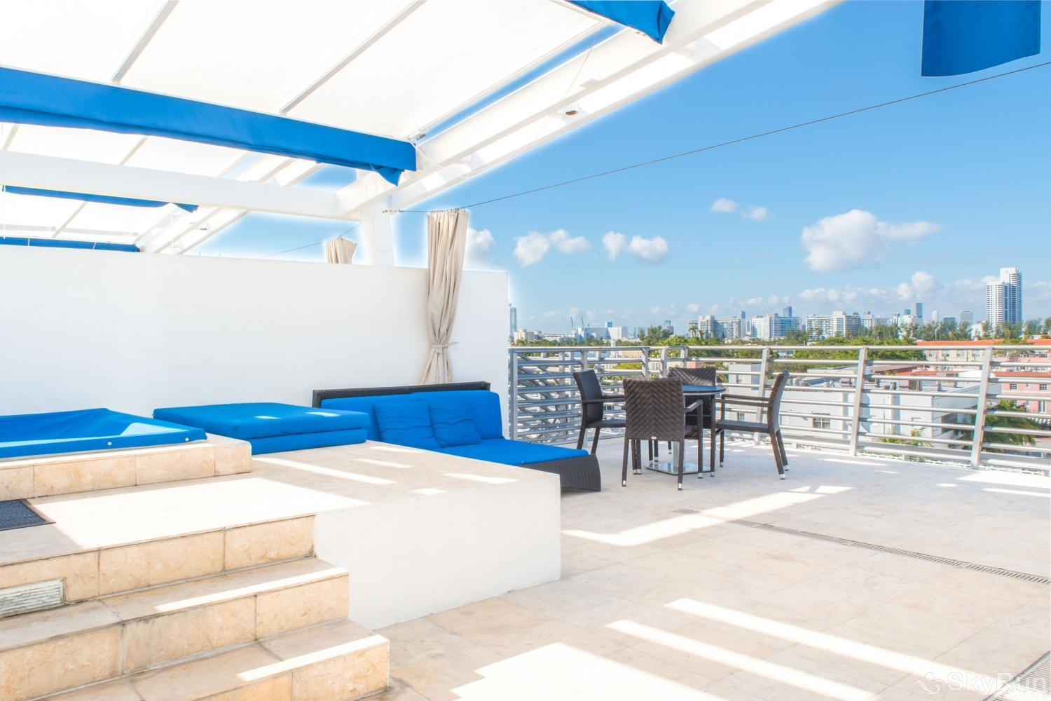 Penthouse De Soleil South Beach - on Ocean Drive Miami Beach PRIVATE ROOFTOP FOR ENTERTAINMENT