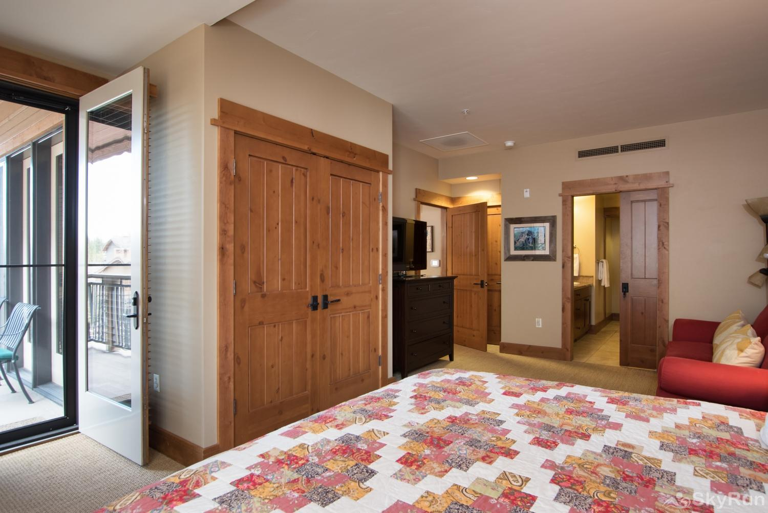 Catamount 306 - In the Heart of Northstar Resort Master King Suite