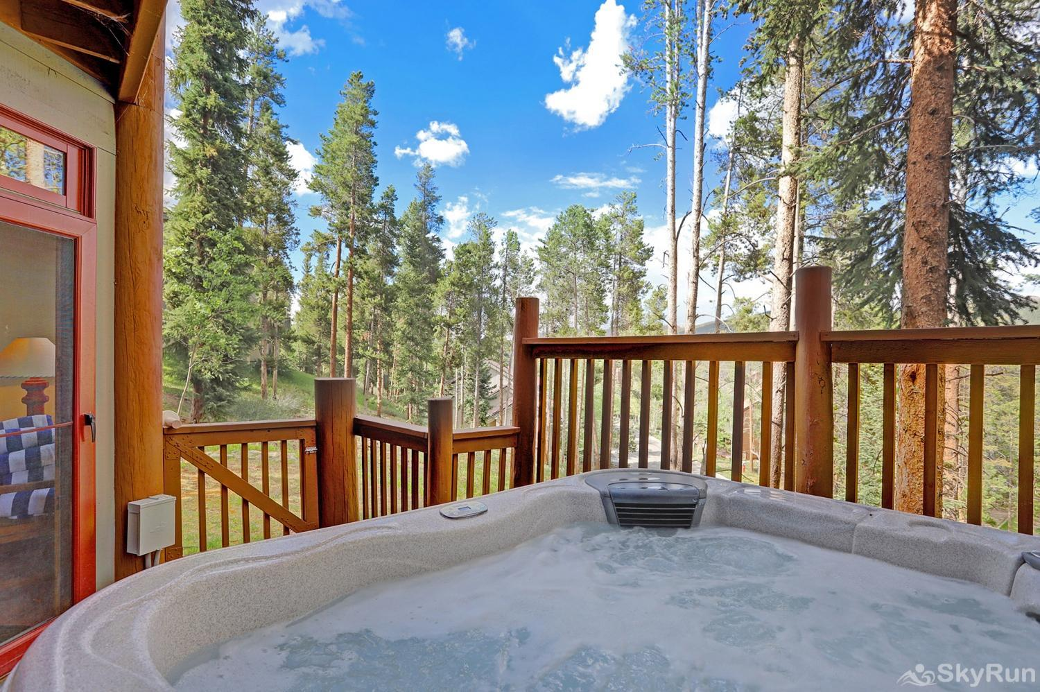 Elk Ridge Retreat Private outdoor hot tub