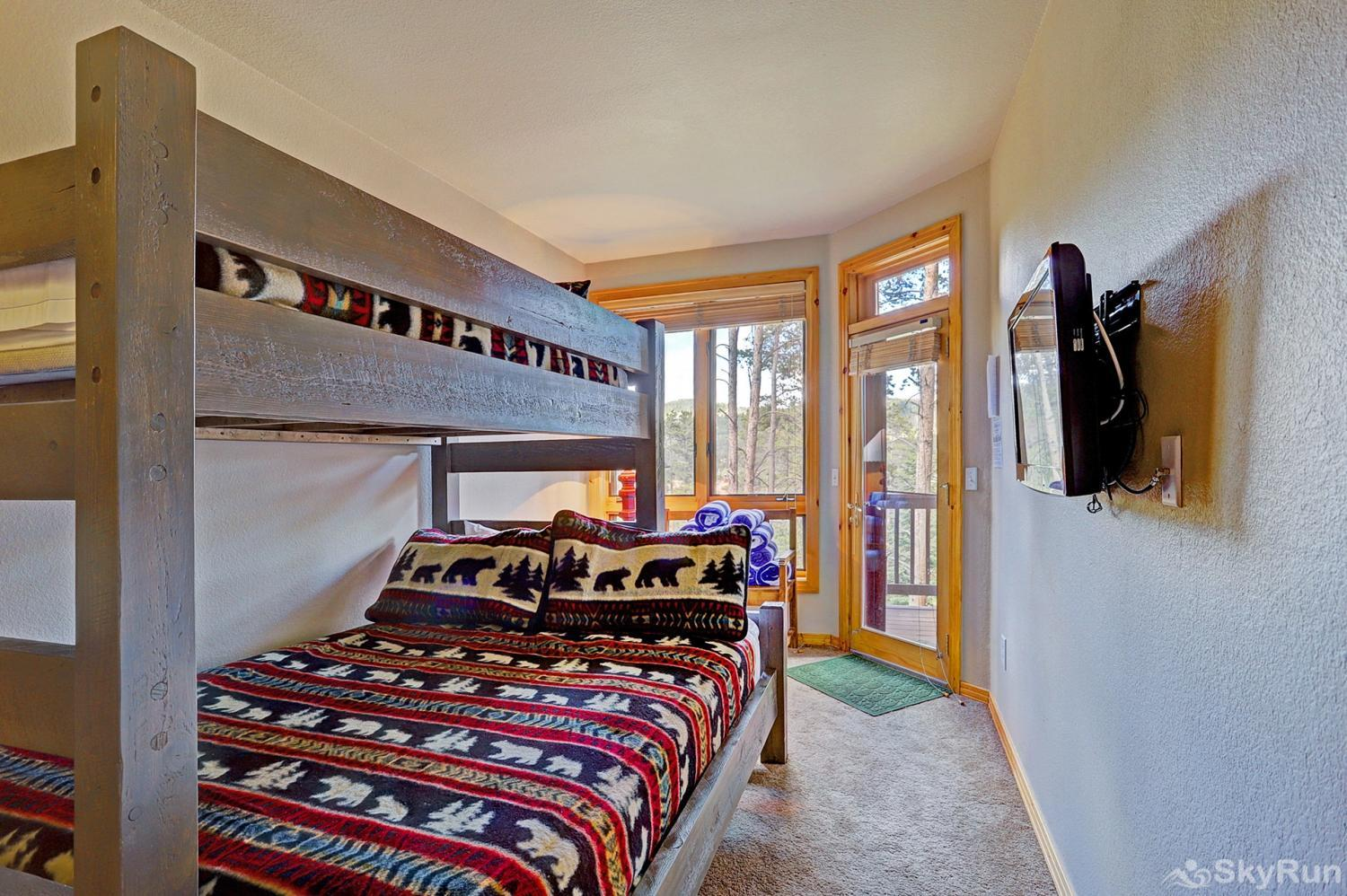 Elk Ridge Retreat Fourth bedroom with twin over queen bunk beds