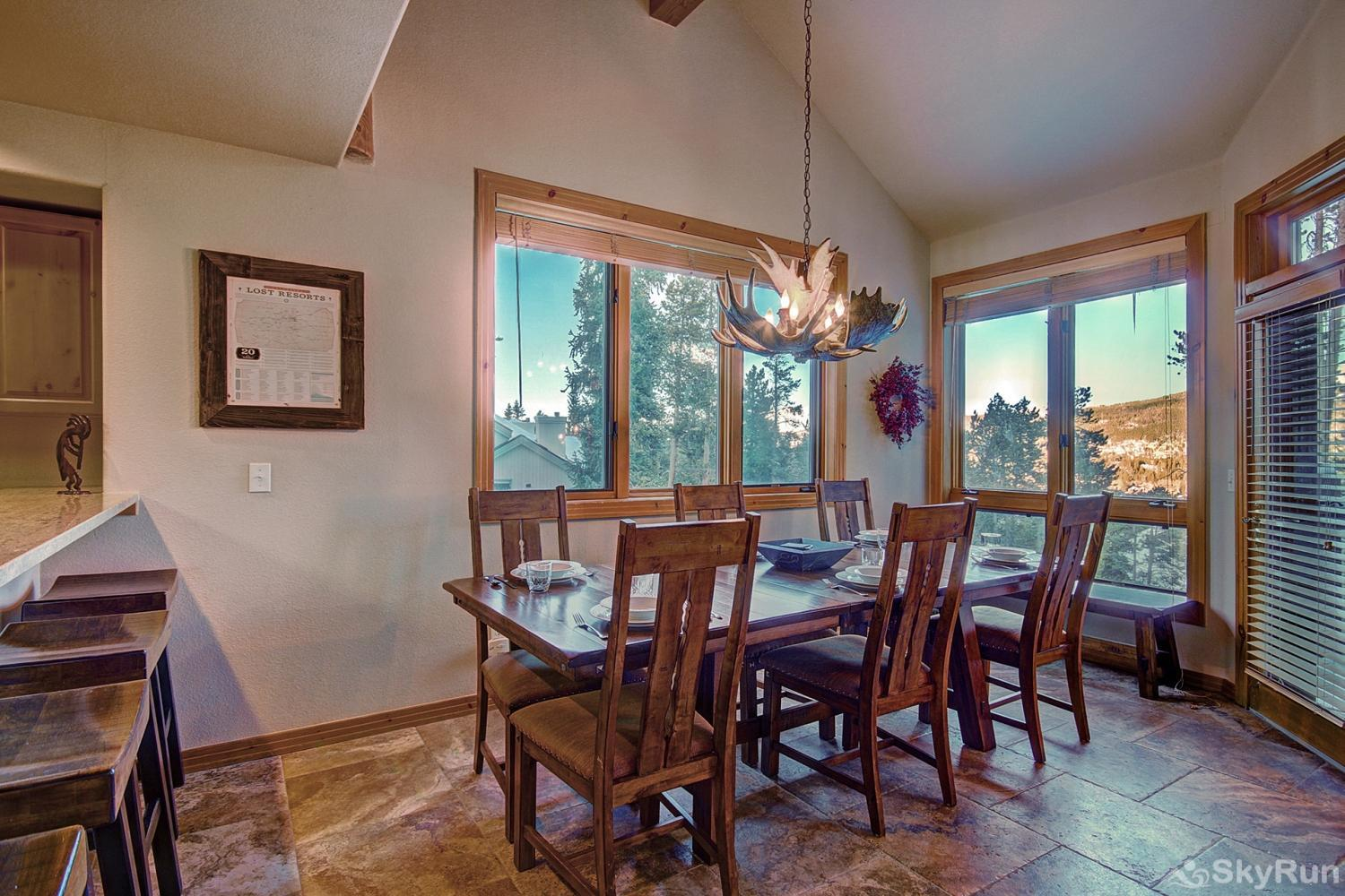 Elk Ridge Retreat Seating for 4 at counter top, 8-10 at dining table
