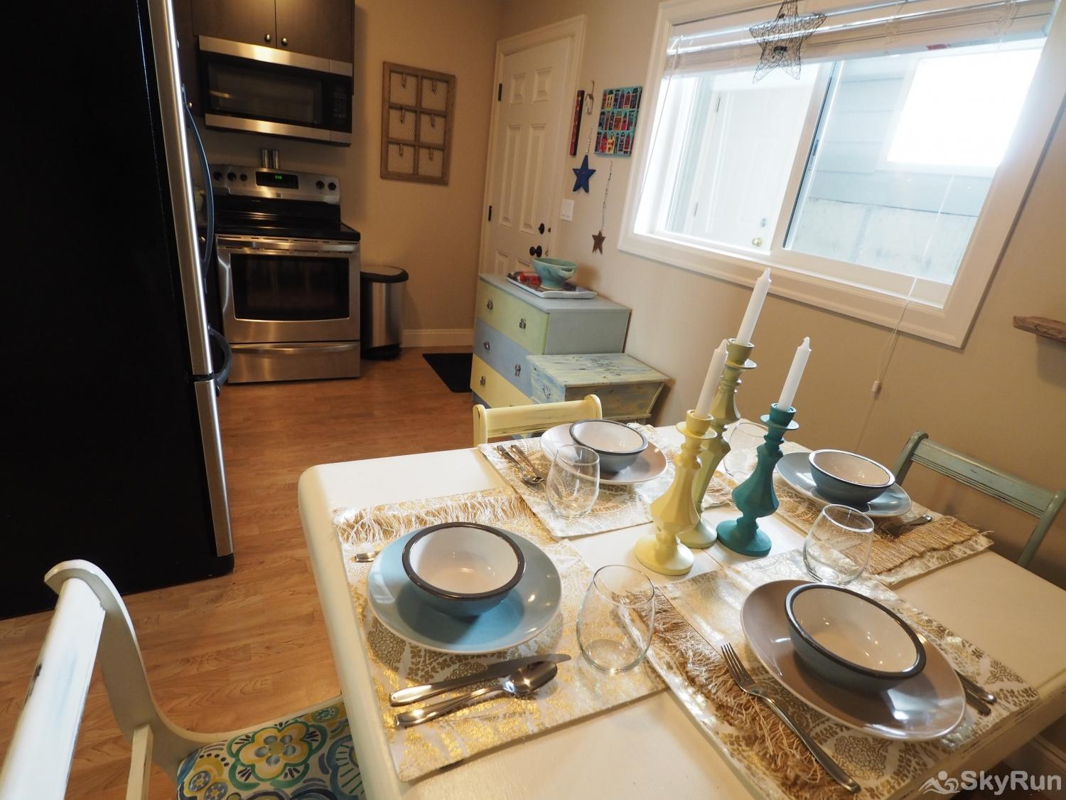 Old Summerland 1 bedroom suite Enjoy a quiet meal before heading out to sight see