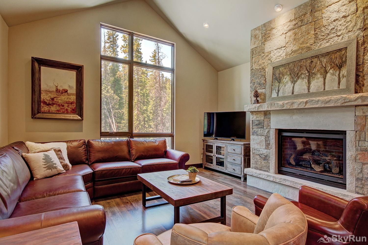 River's Edge Retreat Stay warm and cozy by the elegant gas fireplace