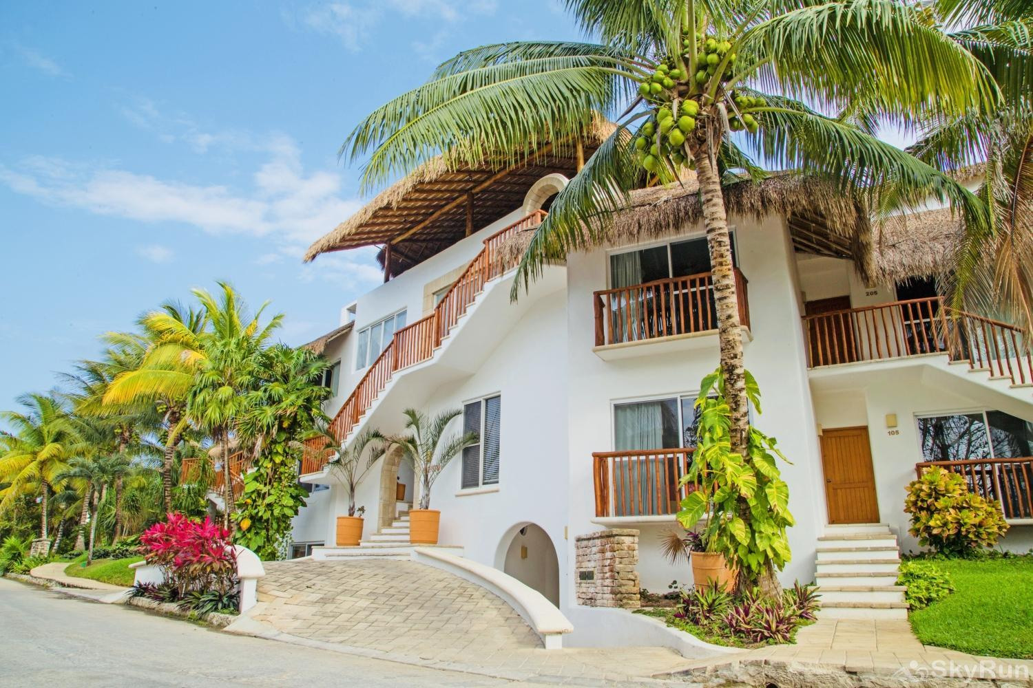 Ocean Side Beachfront Condo Villa 318B Private Access