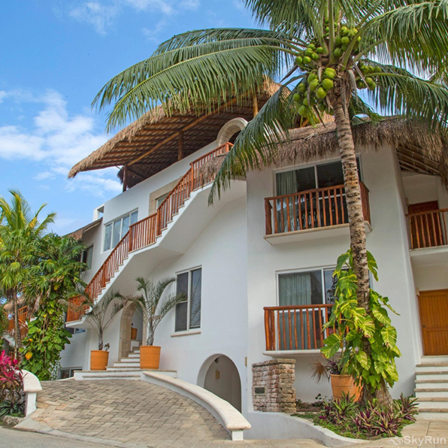 Beachfront Villa at Akumal Bay 210B 2bedroom 2nd floor Complex entrance