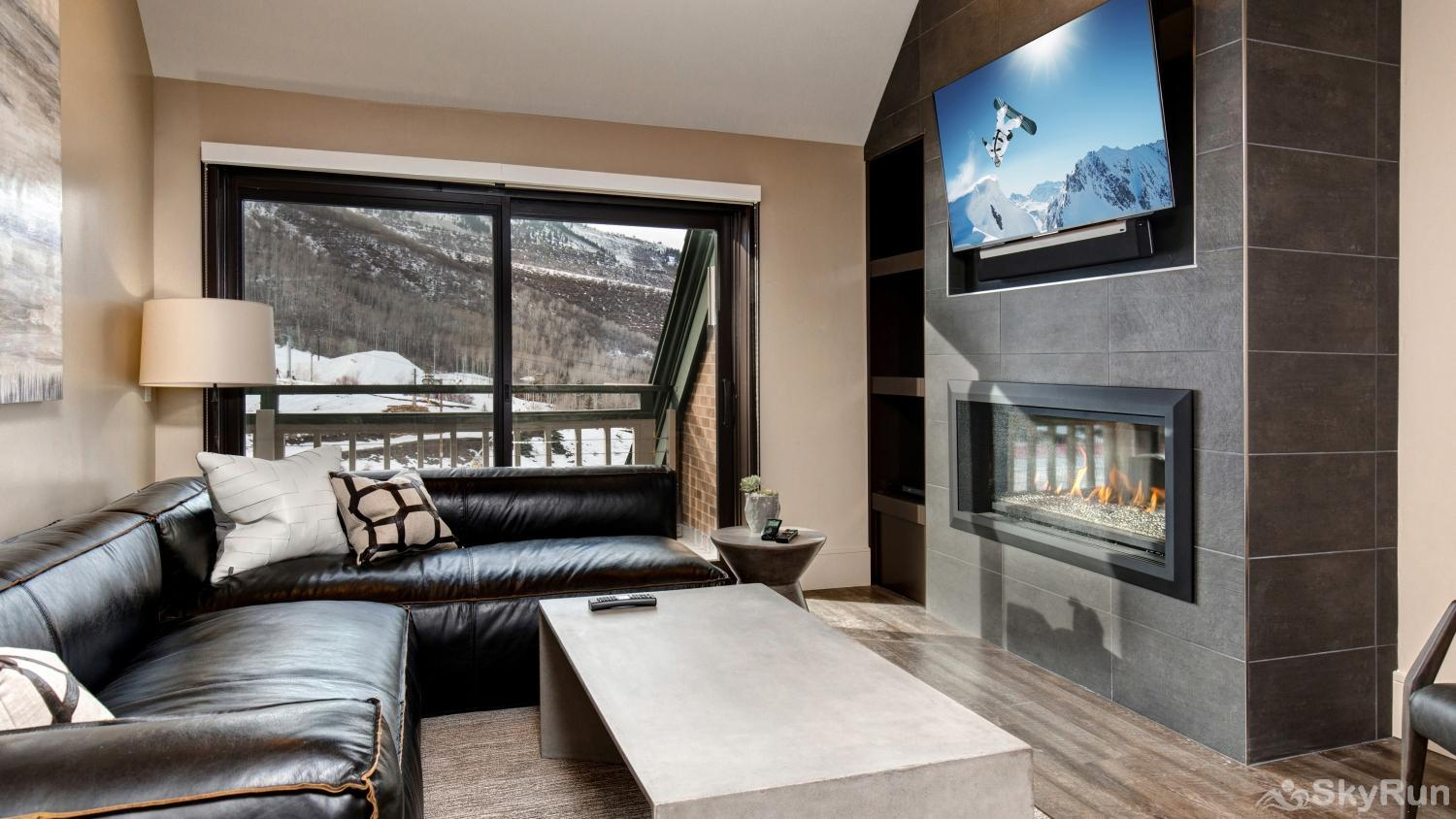 Village Loft 2 Bedroom Ski-In Ski-Out! Great Room and View