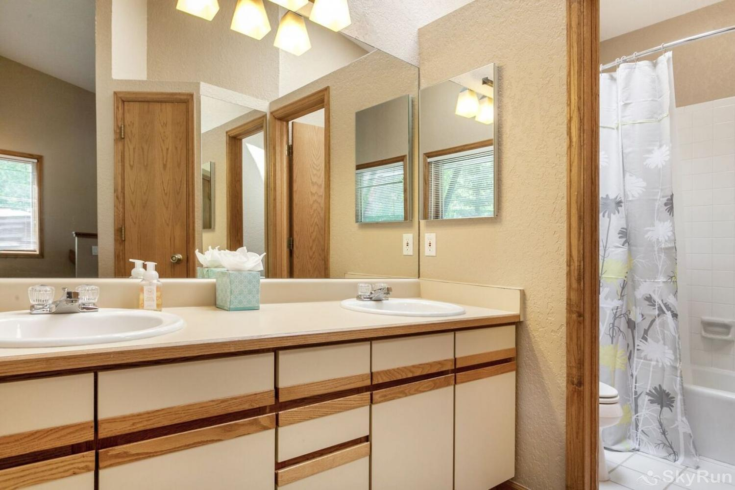 J1 Meadow Creek Condominiums Master Bathroom