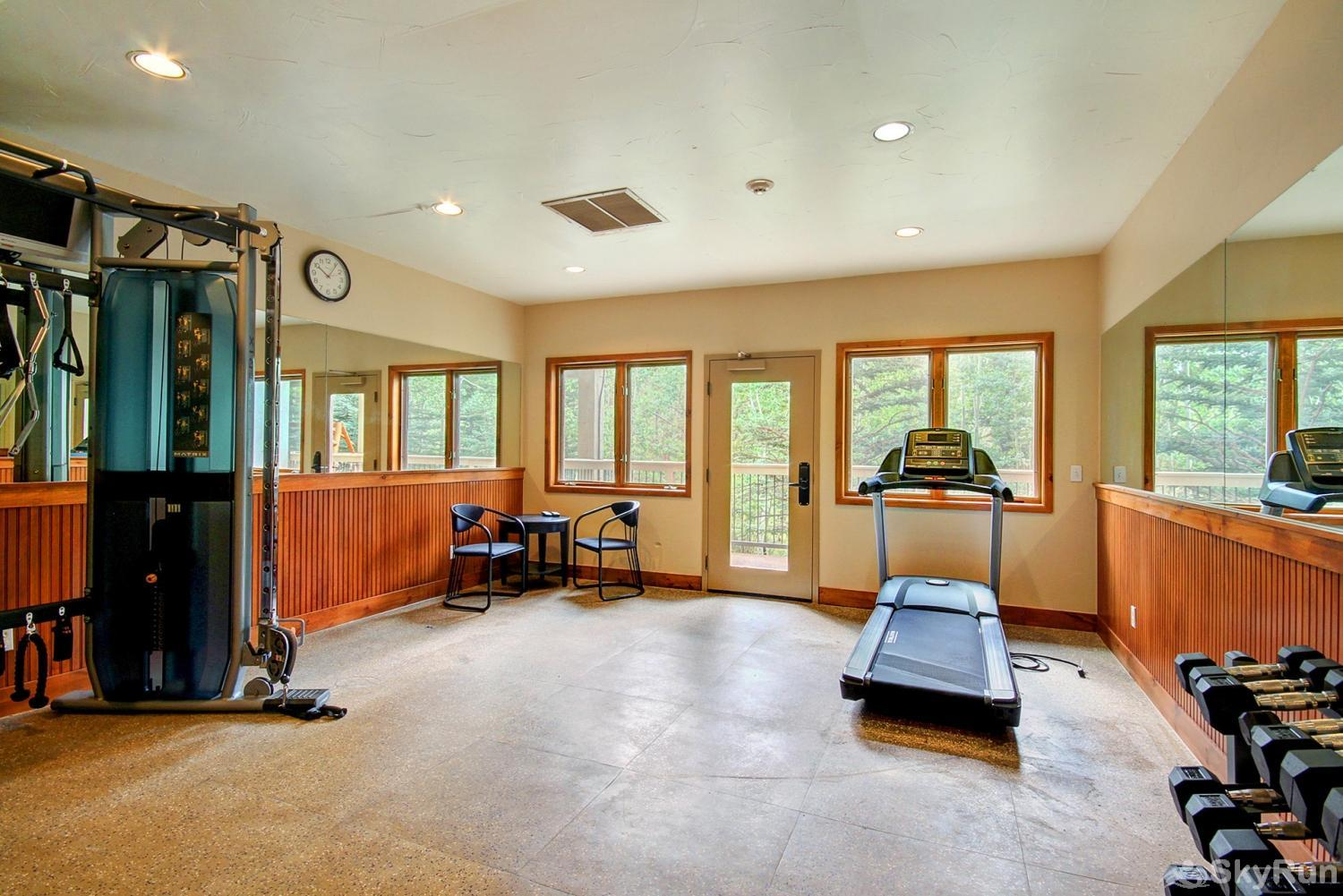 Riverbend 111 Enjoy access to the on-site fitness center