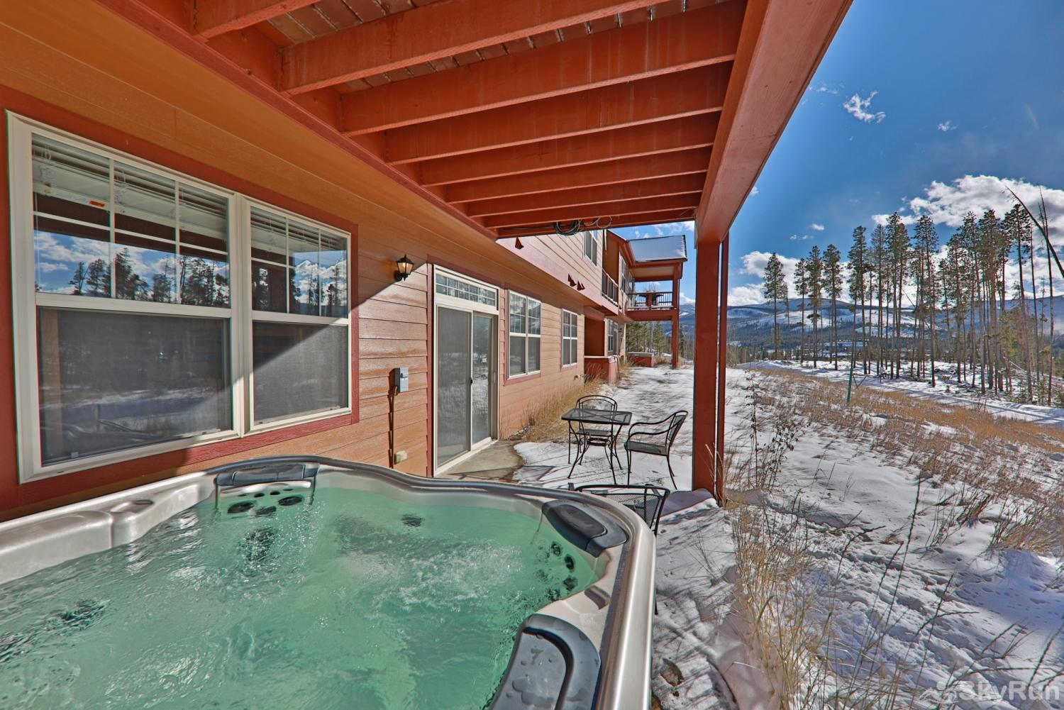 Rendezvous Discovery 3 BR Private Hot Tub with a view!