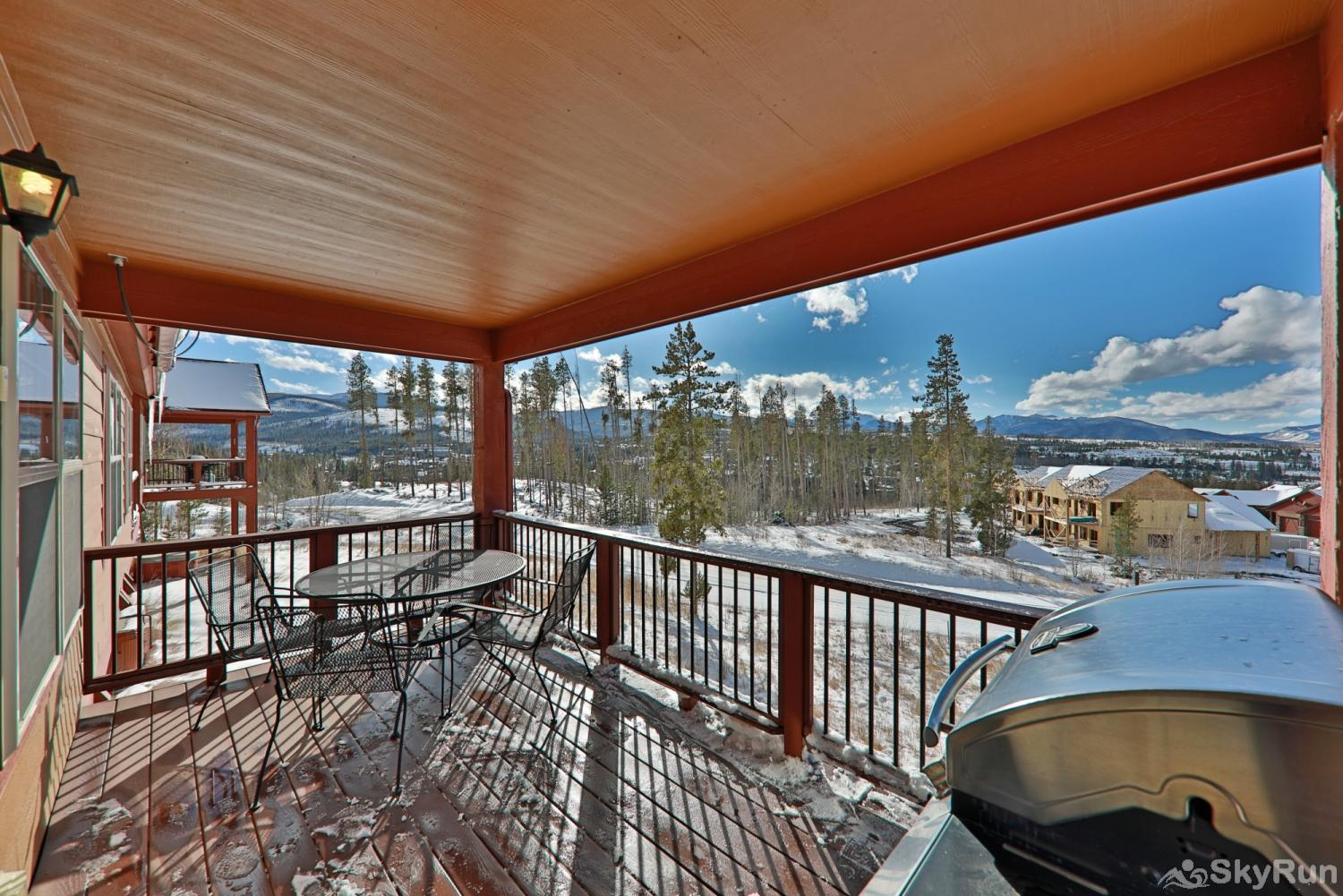 Rendezvous Discovery 3 BR Deck with Private Grill and View!