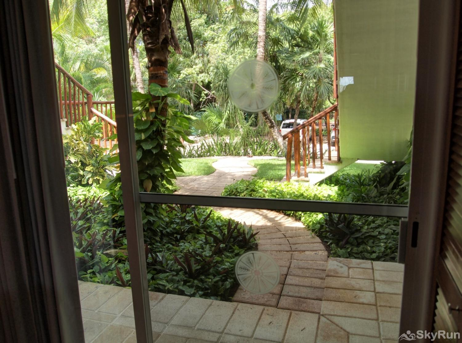 Bliss Akumal Condo Villa 1 Bedroom Garden View 108A Garden View terrace