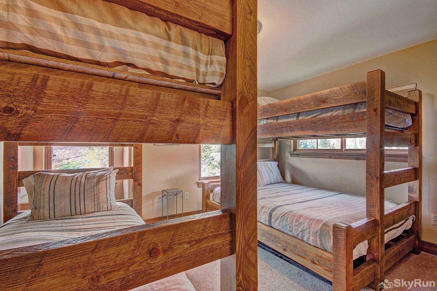 Highland Greens Spruce Upper level bunk room with twin over twin, and twin over full bunk beds