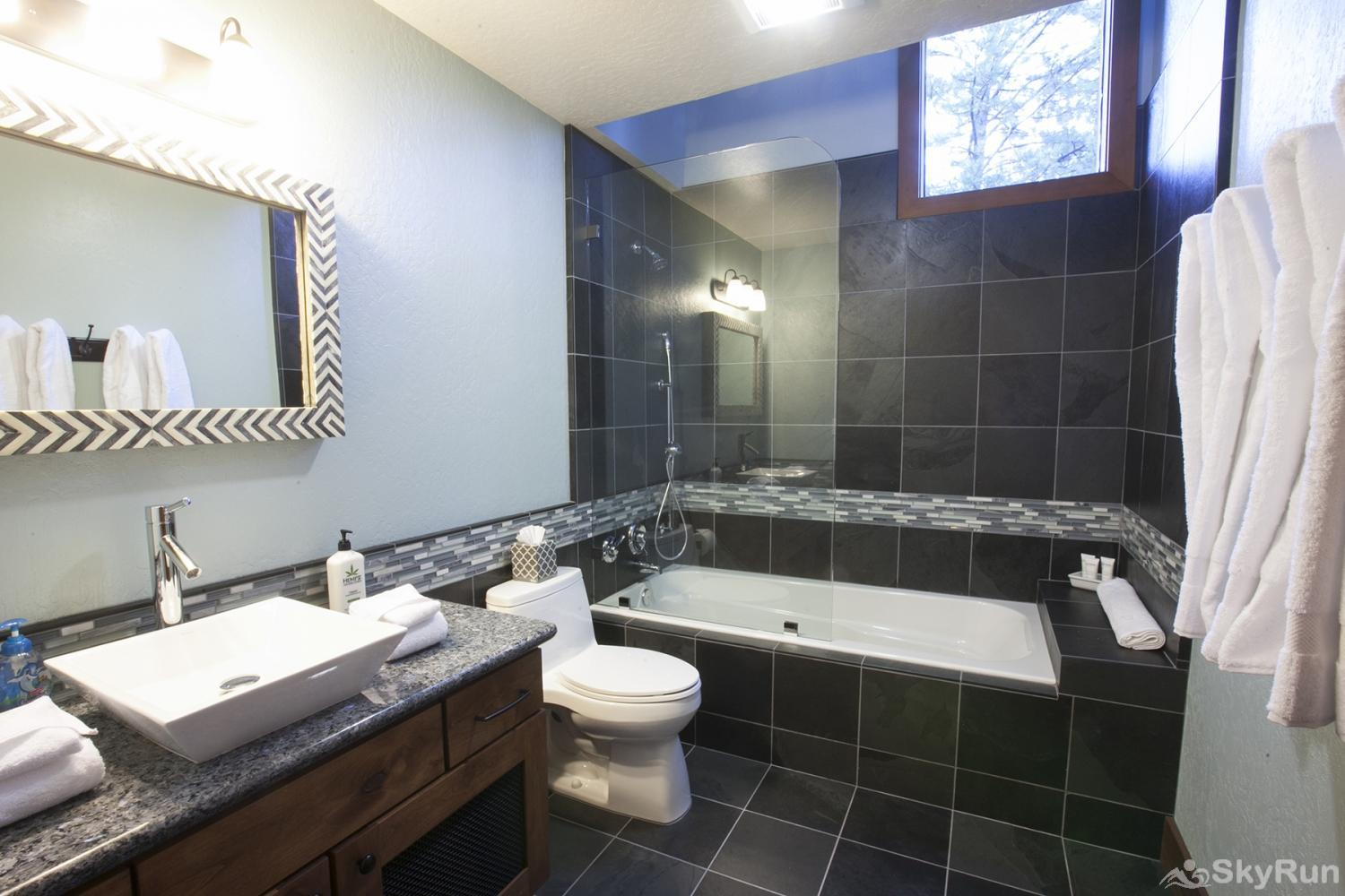 Lodgepole Northstar Luxury Home Guest Full Bathroom (upper level)