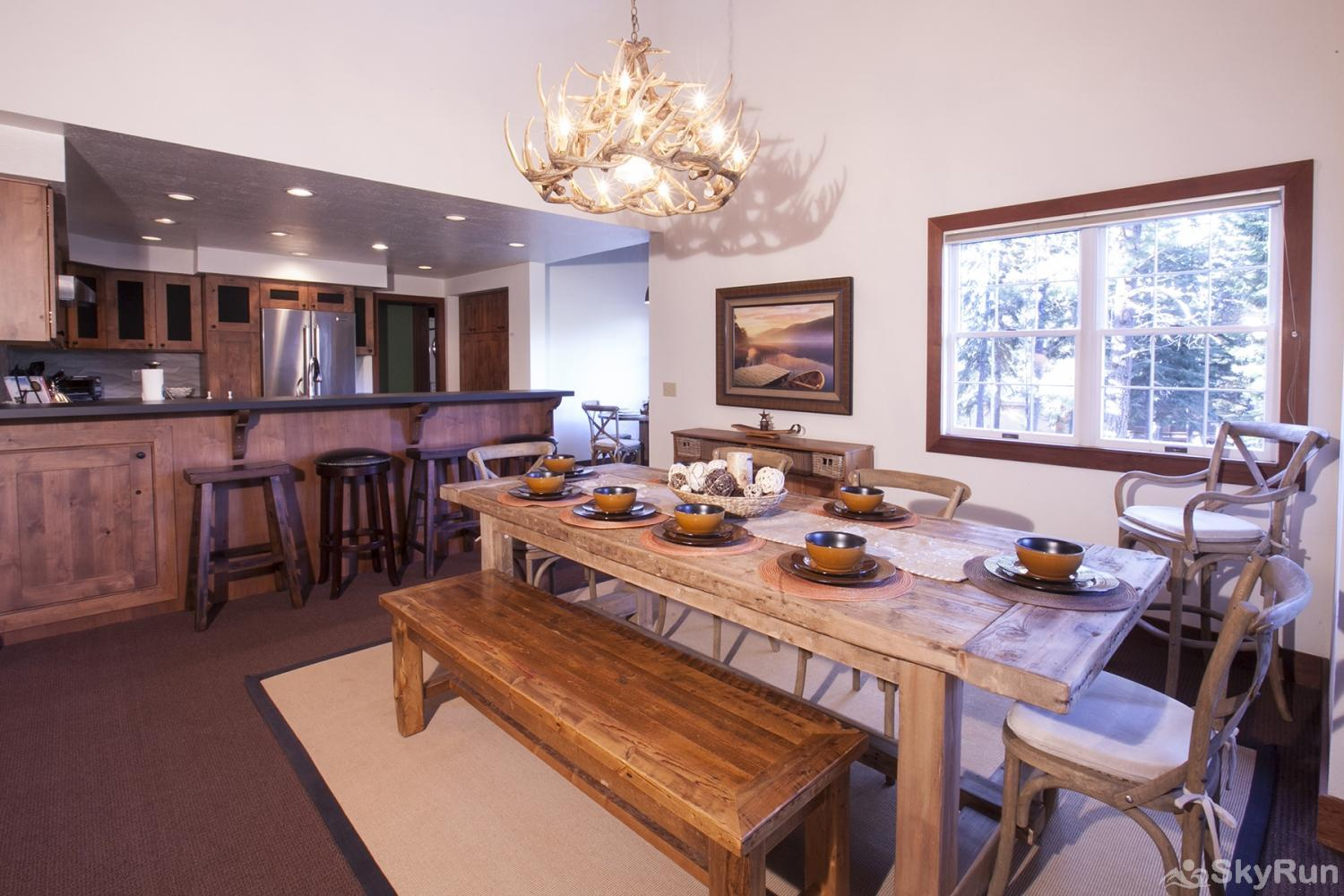 Lodgepole Northstar Luxury Home Dining Area (main level)