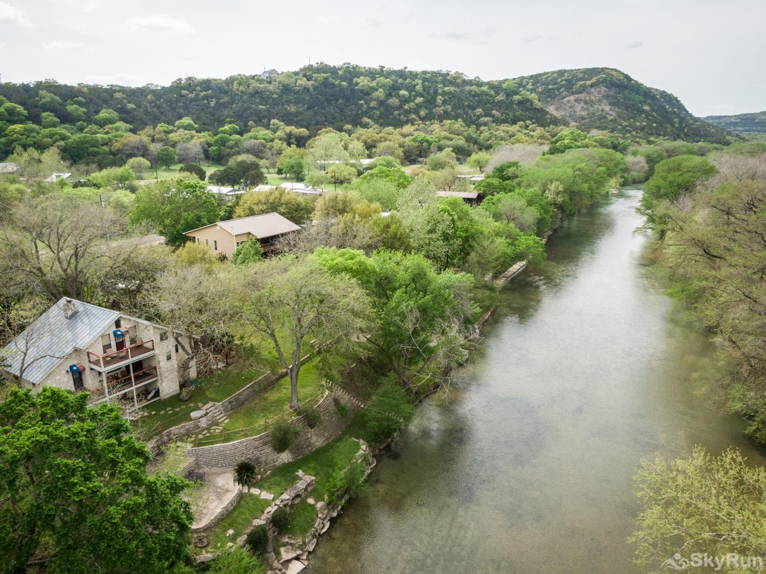 BRAUN RIO Book your Guadalupe River vacation today!