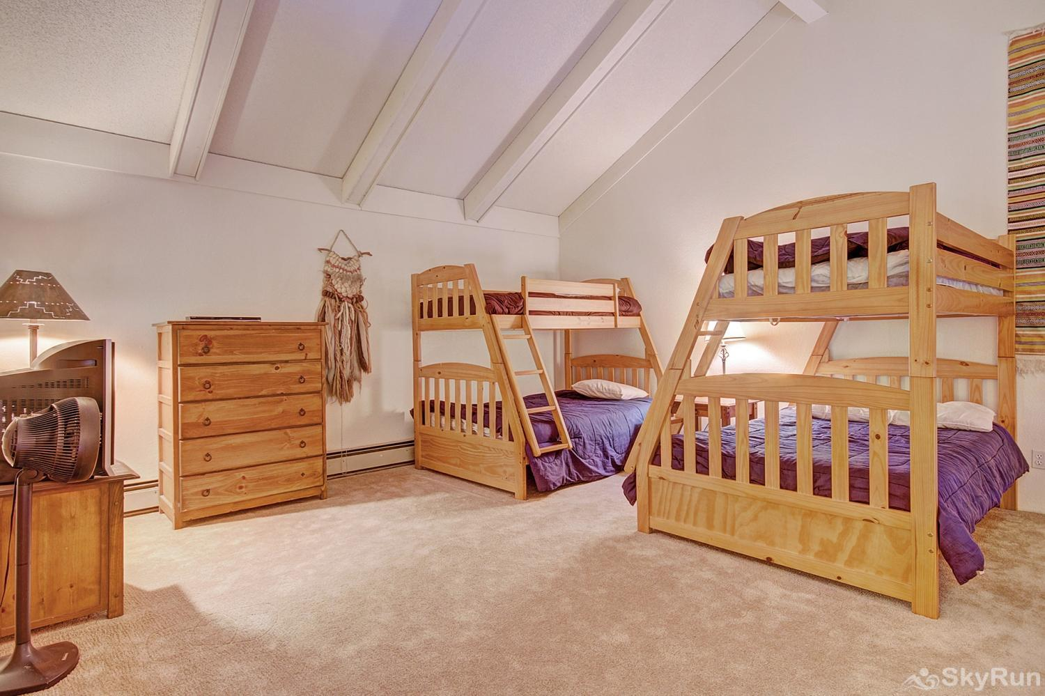 Longbranch 318 Loft with 2 twin over double bunk beds